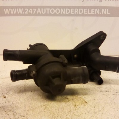 03C 121 111 B Thermostaathuis Volkswagen Polo 1.2 12V 2002/2005