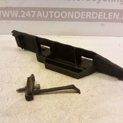 8E0 805 213/B Accubak Audi A4 B6 Avant 2001-2005