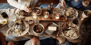 Abendessen im Hygge Stil