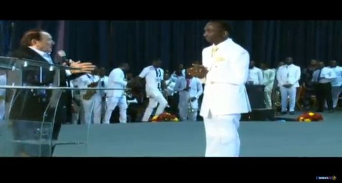 Dr Morris Cerullo Prayes for Oyedepo Live on Glory Dome dedication