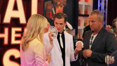 Illusionist Andrew Melia tijdens de TV show Beat the Best
