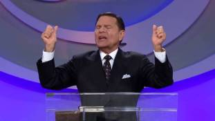 kenneth copeland- trow open the door