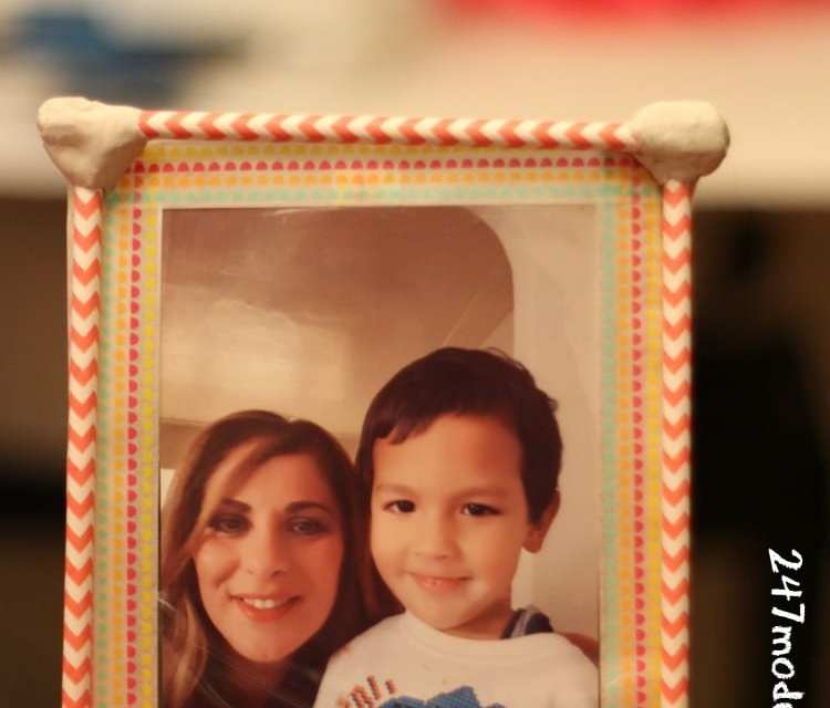 DIY Photo Frame Tutorial: A Perfect Kid Friendly Craft for Christmas Gifting