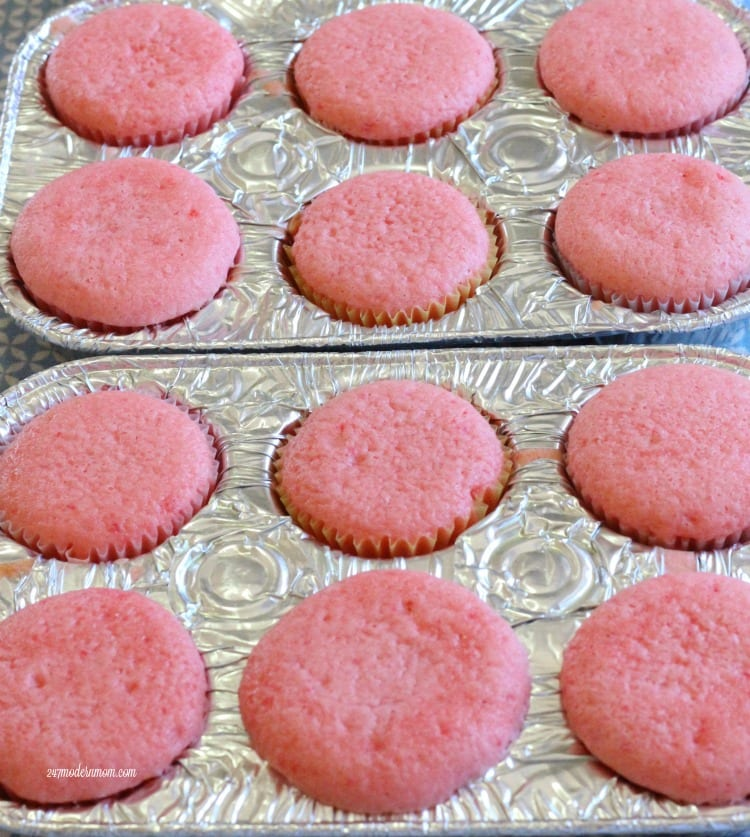 strawberry cupcakes baked