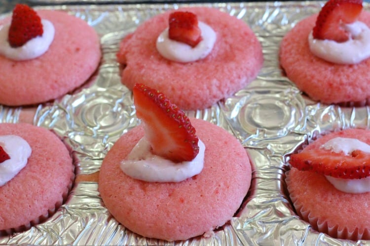 strawberry cupcakes filled
