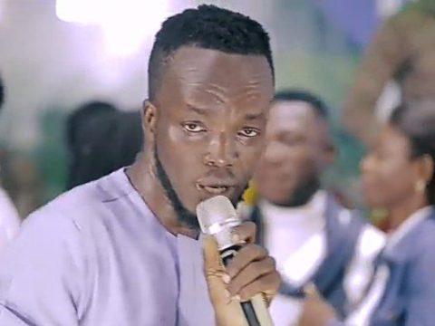 Akwaboah-ft-TY-Crew-Praise-Medley