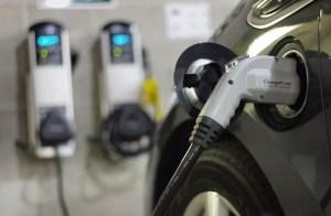 Norvegia continuă să fie campioana Europei în materie de automobile ecologice