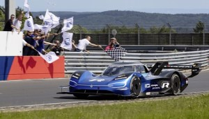 Volkswagen ID.R a stabilit un nou record electric pe circuitul Nürburgring