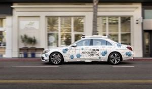 Bosch și Mercedes-Benz lucrează la un proiect pilot pentru serviciul automatizat de transport la cerere