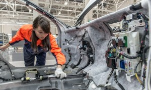 Industria auto mondială începe să resimtă efectele epidemiei de coronavirus
