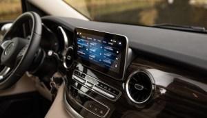 Inteligența artificială și conectivitatea auto, mai rentabile decât vânzarea de automobile?
