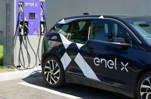 Enel X lansează rețeaua de stații de încărcare
