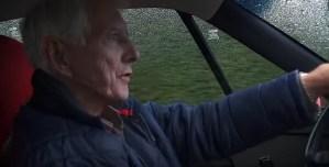 Un octogenar conduce zilnic un... Ferrari F40!