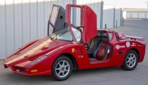 O replică nereușită a lui Ferrari Enzo