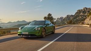 Porsche Taycan Cross Turismo, cea mai versatilă mașină sport electrică