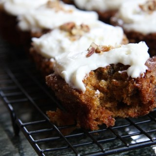 Classic Carrot Cake Cupcakes