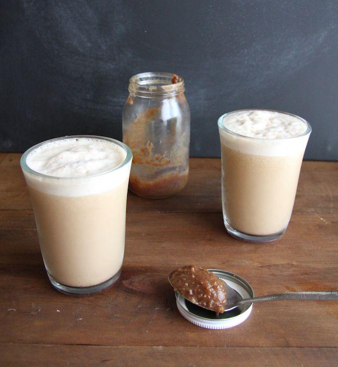Skinny Caramel Frappuccino // 24 Carrot Life #coffee #sugarfree