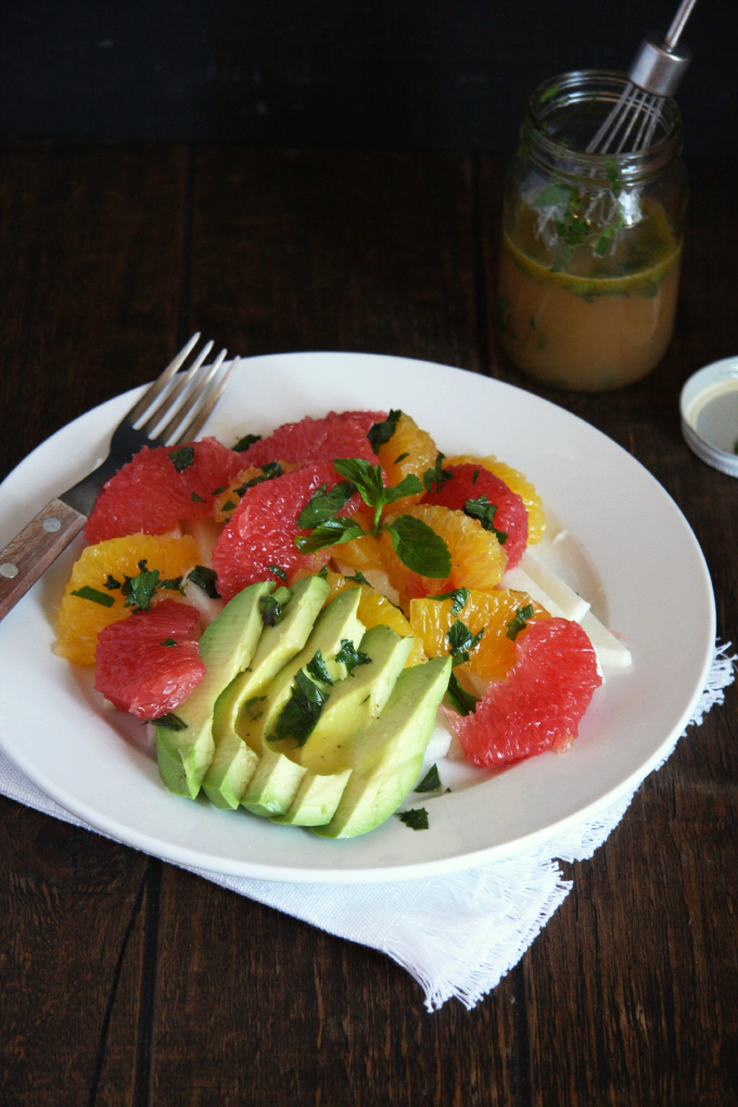 Spring Citrus Salad with Honey Mint Vinaigrette // 24 Carrot Life #vegan #raw #healthy