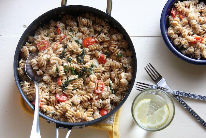 "Weeknight ""Baked"" Ricotta Pasta // 24 Carrot Life #healthy"