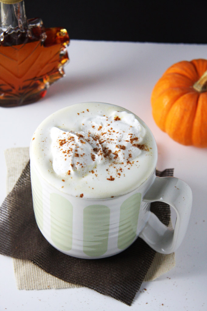Coffee Free Maple Pumpkin Spice Latte // 24 Carrot Life #psl #caffeinefree #healthy #vegan