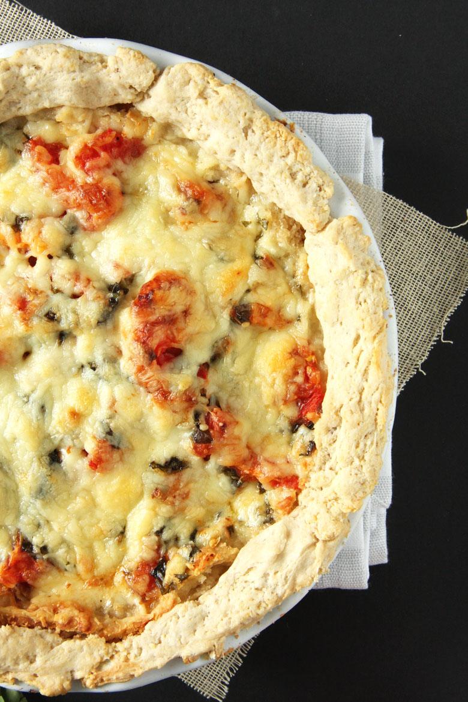 Cheddar Tomato Pie // 24 Carrot Life