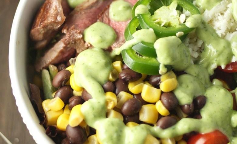 Midwestern Steak Salad // 24 Carrot Life #sponsored #steak #mexicanfood #salad