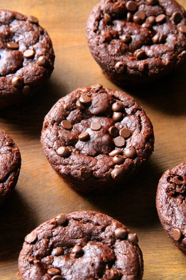 Flourless-Chocolate-Pumpkin-Muffins4
