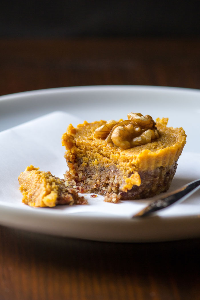 No-Bake-Pumpkin-Pie-Tarts-2