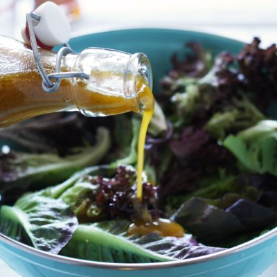 Orange Chili Vinaigrette // 24 Carrot Life #salad #vegan #glutenfree