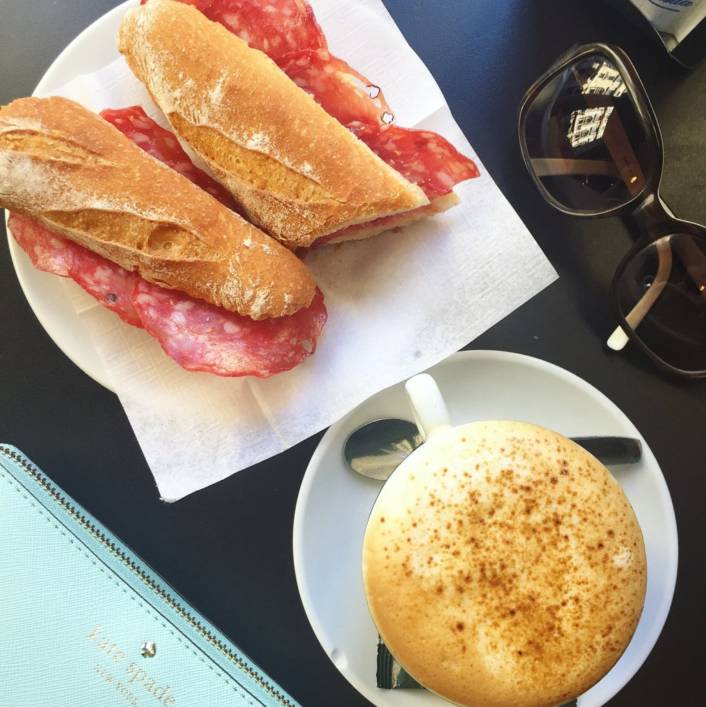 Eating (Mostly) Healthy in Barcelona + A Recap // 24 Carrot Life #travel #spain #healthyfood