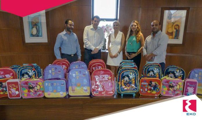 360898acb1 Σχολικά είδη προσέφερε η ΕΚΟ στα άπορα παιδιά του Δήμου Στροβόλου ...