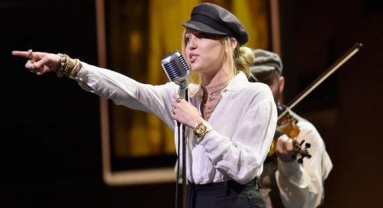 Miley Cyrus – Nothing Breaks Like A Heart Lyrics