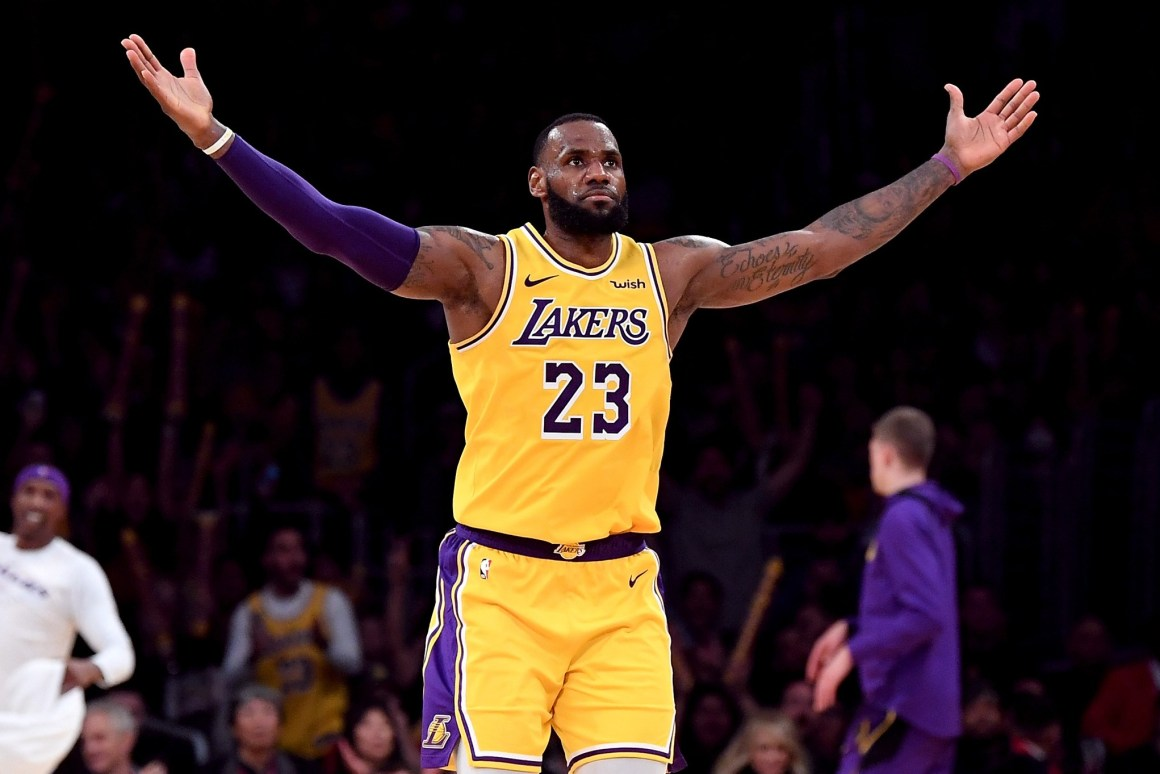 LeBron James faces Twitter Backlash after comments on NBA-China Controversy