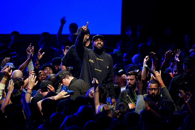 "Kanye West Delays ""Jesus is King"" Album Again, Fans aren't Happy"