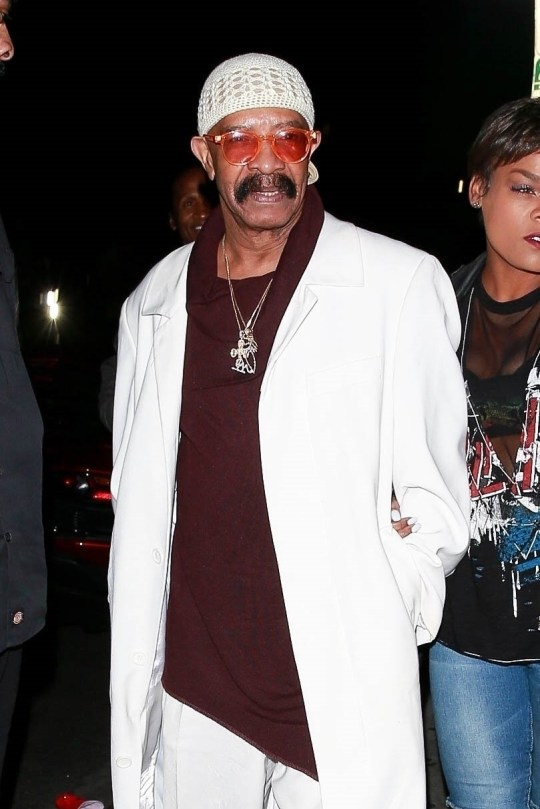 Drake Impersonates His Dad, Dennis Graham For Halloween