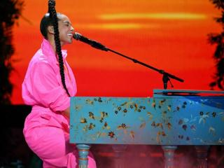 Listen to Alicia Keys New Song 'Love Looks Better'