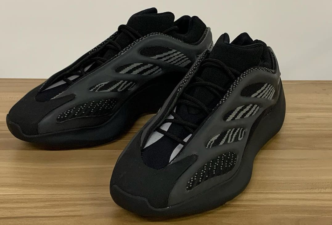 """Take an Look at the adidas YEEZY 700 V3 """"Black"""""""