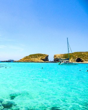 the blue lagoon comino