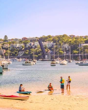 Clontarf beach Sydney middle harbour spit bridge