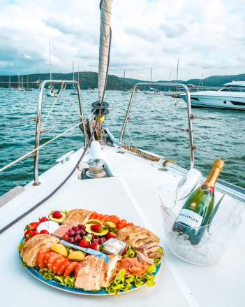 Taylor made escapes palm beach Pittwater Barrenjoey boat hire