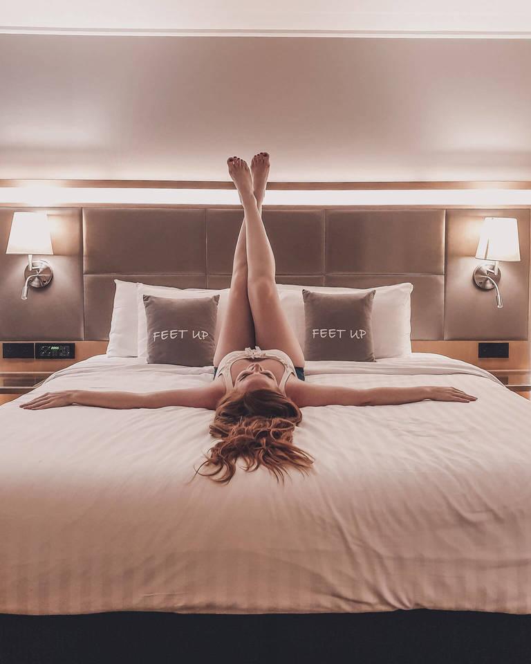 feet up hotel