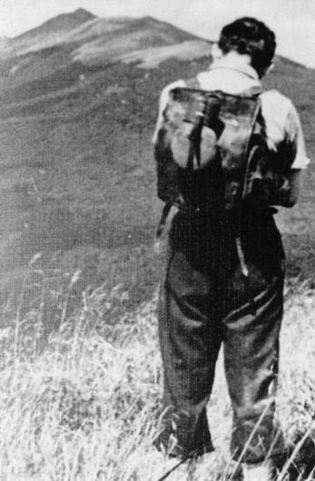 Karol Wojtyla dalam sebuah ekspedisi di pegunungan Bieszczady, 1953.