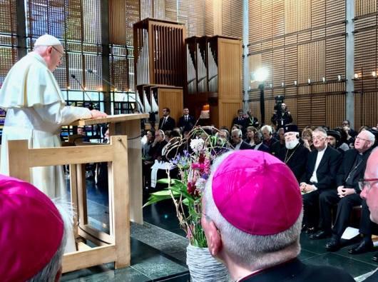 Paus Fransiskus berbicara dalam kebaktian ekumene di markas Dewan Gereja-Gereja se-Dunia/Foto Vatican News