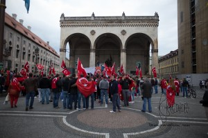 grauewoelfe 200915 17 - Turkish nationalists rally against Kurds and for Erdogans politics against the PKK.