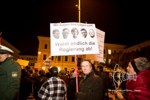 pegida 121015 5 - Sign calling for taking power from the german government.