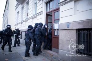 le1212 blog 11 - Clashes erupt in Leipzig.