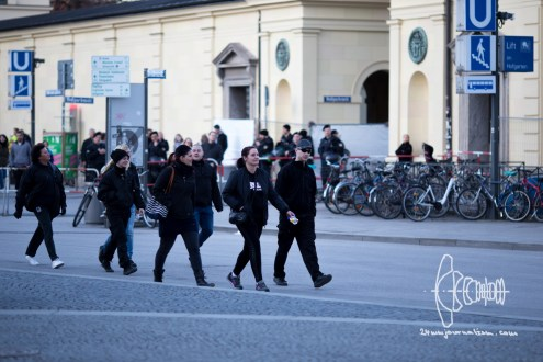 Group of neonazis approaching PEGIDA
