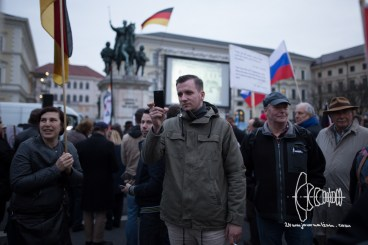 Lukas Bals - Die Rechte - takes pictures of photographers and counter protest.