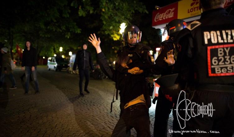 pegida 20160926 12 - PEGIDA Munich Marches towards Non-Citizen's Protest Camp