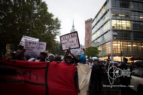 refugeeprotest_innenstadtdemo_20160916_10